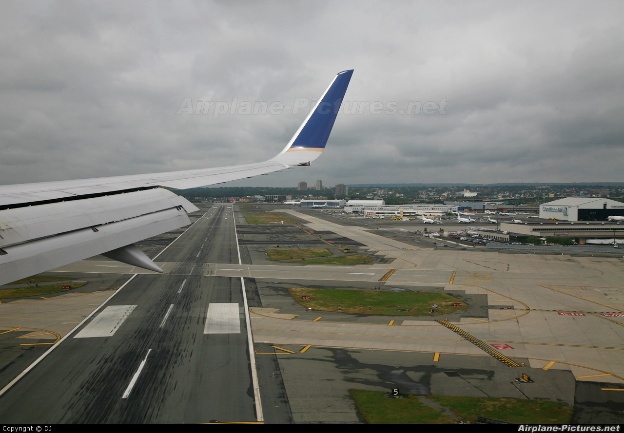 Continental Airlines N19117 aircraft at Newark Liberty Intl