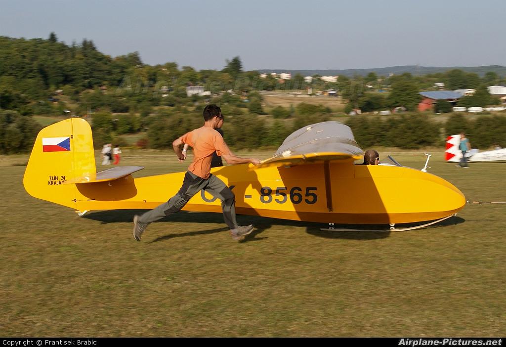 Aeroklub Brno Medlánky OK-8565 aircraft at Medlánky