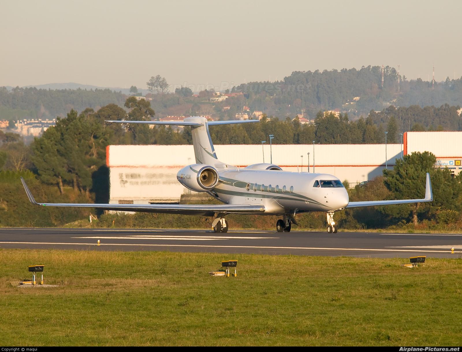 TAG Aviation EC-KUM aircraft at La Coruña