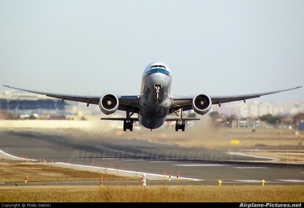 Cathay Pacific B-KPH aircraft at Toronto - Pearson Intl, ON