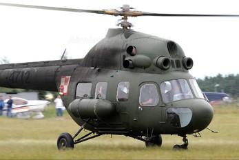 4712 - Poland - Air Force Mil Mi-2