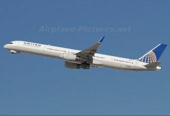 N78866 - United Airlines Boeing 757-300