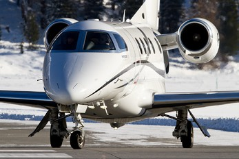 G-MGNE - Private Embraer EMB-505 Phenom 300