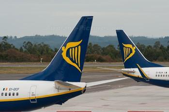 EI-DCF - Ryanair Boeing 737-800