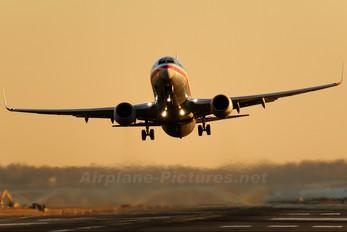N934AN - American Airlines Boeing 737-800