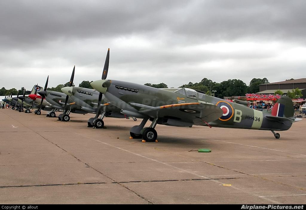 Merlin Aviation G-ASJV aircraft at Duxford