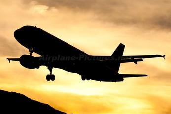 G-OOPP - First Choice Airways Airbus A320