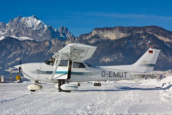 D-EMUT - Private Cessna 172 Skyhawk (all models except RG)