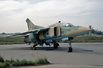 8425 - Libya - Air Force Mikoyan-Gurevich MiG-23UB