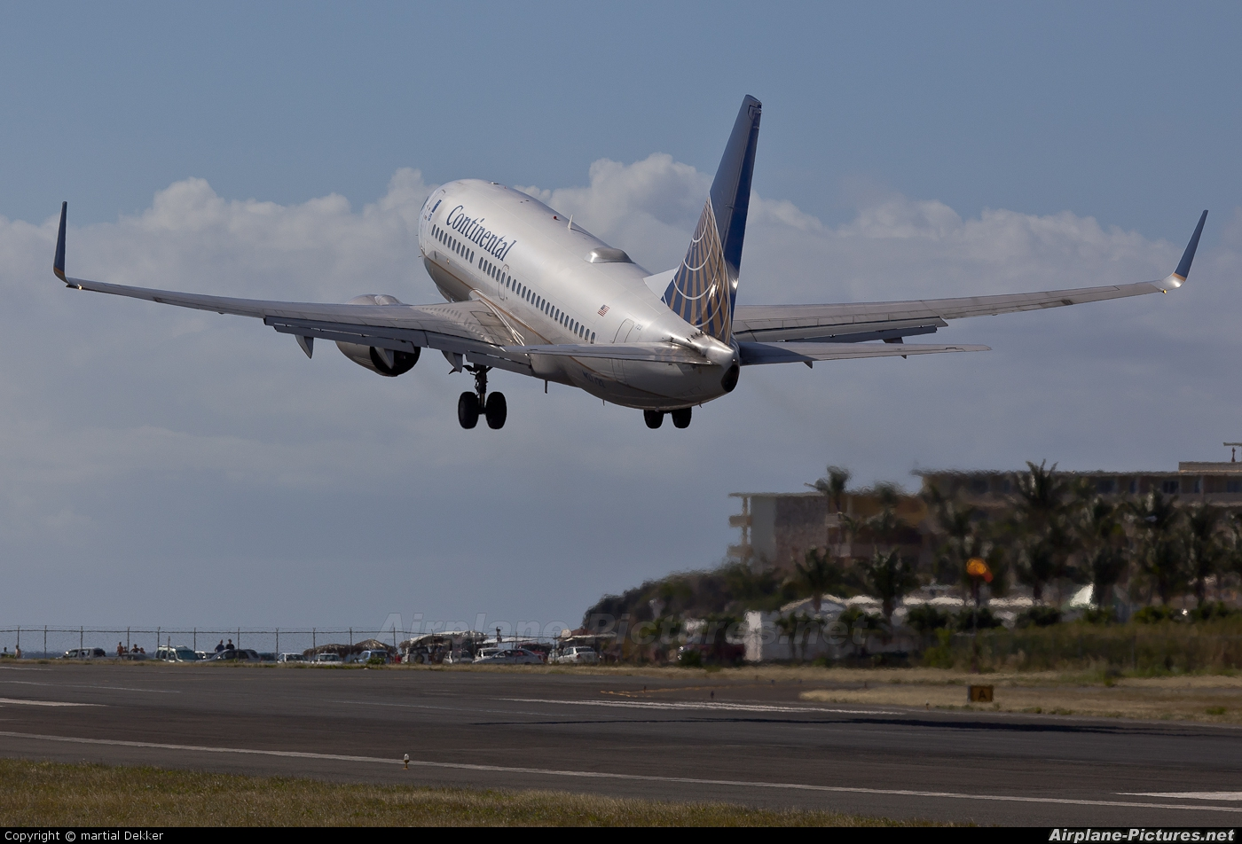Continental Airlines N27722 aircraft at Sint Maarten - Princess Juliana Intl
