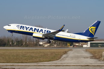 EI-ENA - Ryanair Boeing 737-800