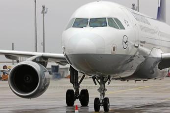 D-AIPE - Lufthansa Airbus A320