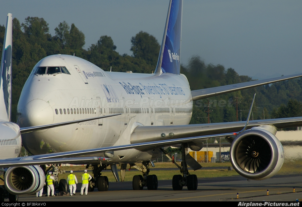 Rolls Royce N787RR aircraft at Seattle - Boeing Field / King County Intl