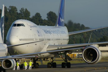 N787RR - Rolls Royce Boeing 747-200