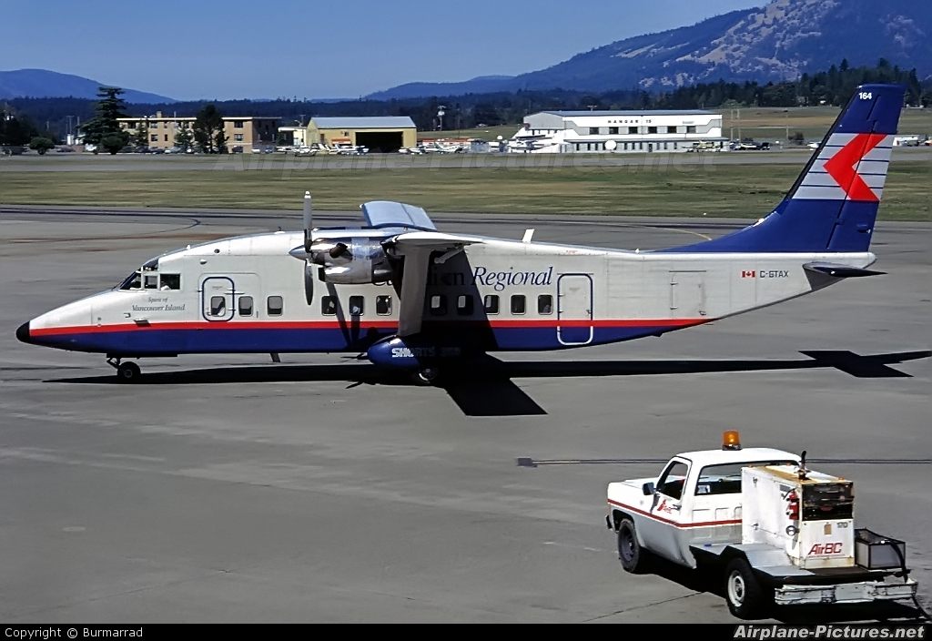 Canadian Regional Airlines C-GTAX aircraft at Victoria, BC