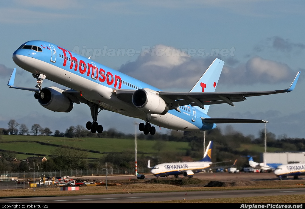Thomson/Thomsonfly G-OOBN aircraft at Bristol - Lulsgate