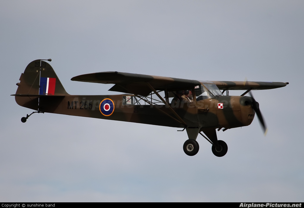 G-ANHU - Private Taylorcraft Auster IV at Waddington | Photo ID ...