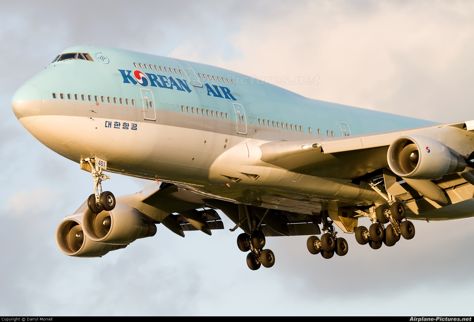 Korean Air HL7461 aircraft at London - Heathrow