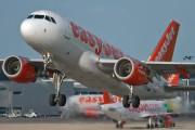 G-EZDS - easyJet Airbus A319 aircraft