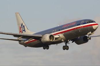 N965AN - American Airlines Boeing 737-800