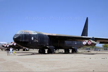 55-0067 - USA - Air Force Boeing B-52D Stratofortress