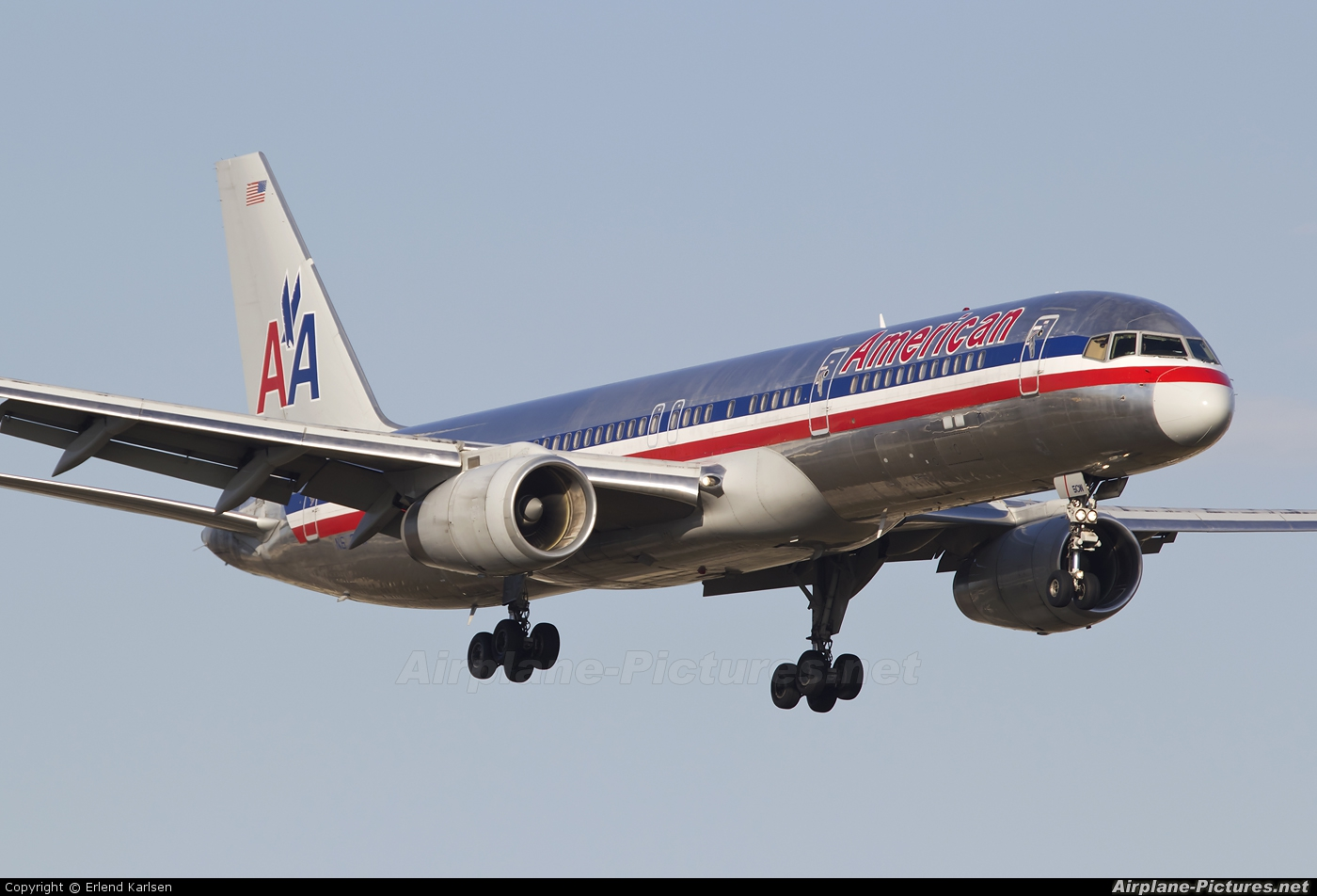 American Airlines N672AA aircraft at Miami Intl