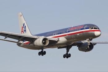 N672AA - American Airlines Boeing 757-200WL