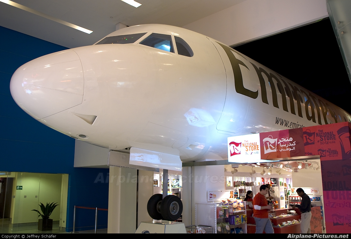Emirates Airlines - aircraft at Off Airport - UAE