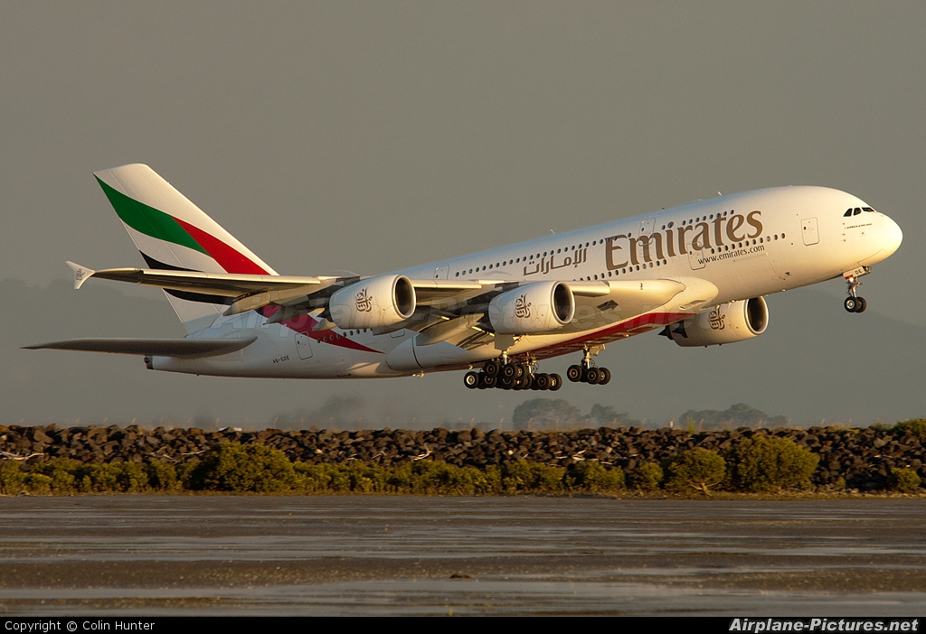 Emirates Airlines A6-EDE aircraft at Auckland Intl