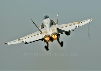165177 - USA - Navy McDonnell Douglas F/A-18C Hornet