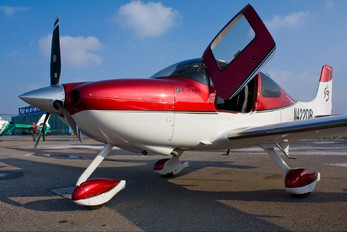 N422DR - Private Cirrus SR22