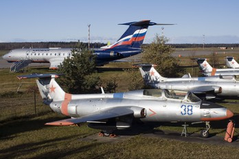38 - Russia - Air Force Aero L-29 Delfín