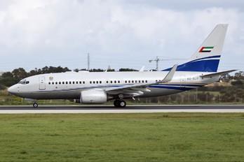 A6-RJY - Royal Jet Boeing 737-700