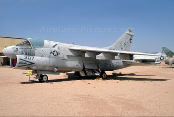160713 - USA - Navy LTV A-7E Corsair II
