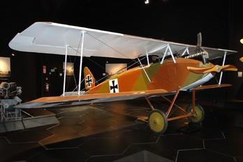 - - Germany - Imperial Air Force (WW1) Halberstabt D.VI