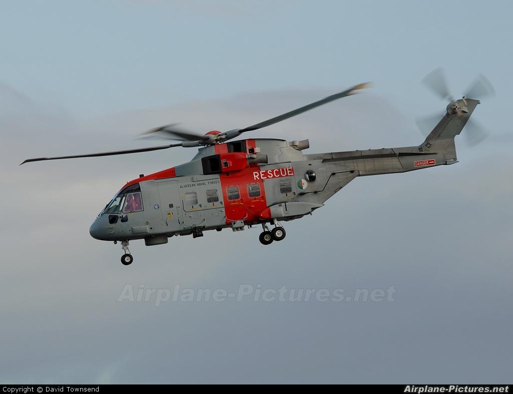 Algeria - Navy ZR331 aircraft at Prestwick