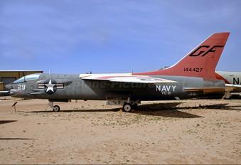 144427 - USA - Navy Vought DF-8F Crusader