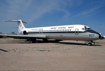 164607 - USA - Navy McDonnell Douglas C-9B Skytrain II