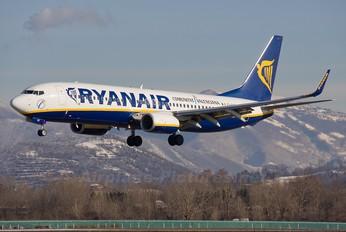 EI-EKT - Ryanair Boeing 737-800