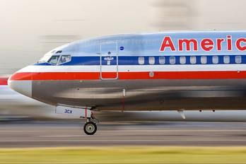N966AN - American Airlines Boeing 737-800