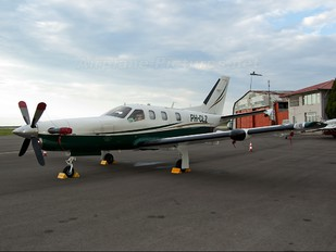 PH-CLZ - Private Socata TBM 700