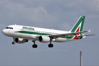 EI-DSC - Alitalia Airbus A320