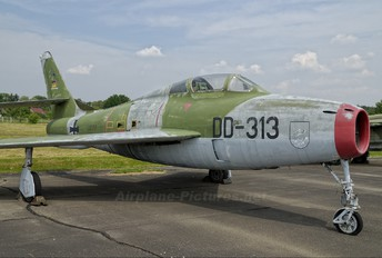 DD+339 - Germany - Air Force Republic F-84F Thunderstreak