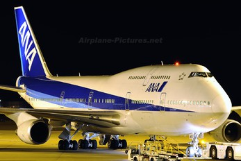 JA8962 - ANA - All Nippon Airways Boeing 747-400