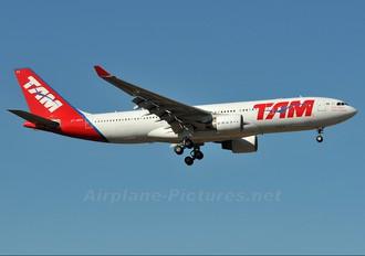 PT-MVA - TAM Airbus A330-200
