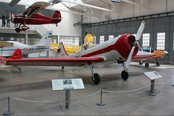 DDR-WQV - Private Yakovlev Yak-50