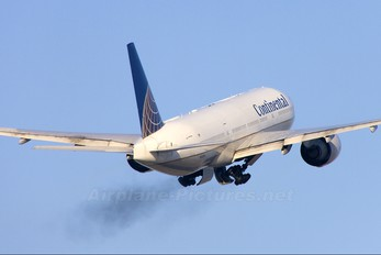 N78004 - Continental Airlines Boeing 777-200ER