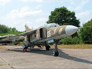 135 - Romania - Air Force Mikoyan-Gurevich MiG-23UB