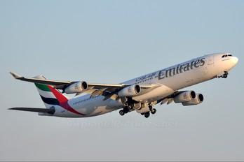 A6-ERO - Emirates Airlines Airbus A340-300