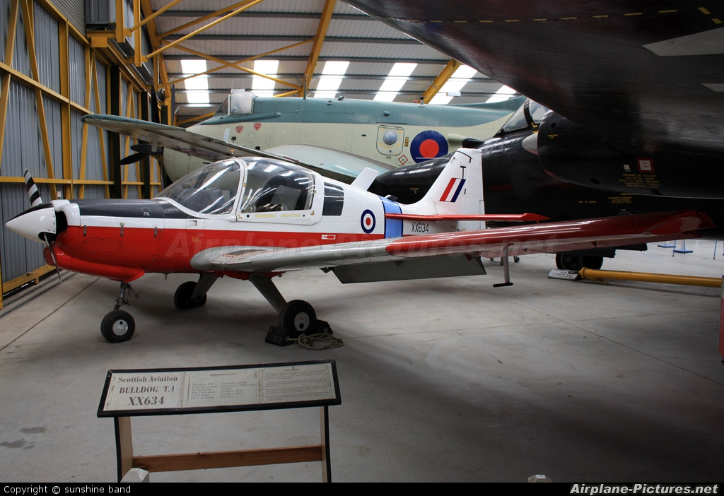 Royal Air Force XX634 aircraft at Newark Air Museum